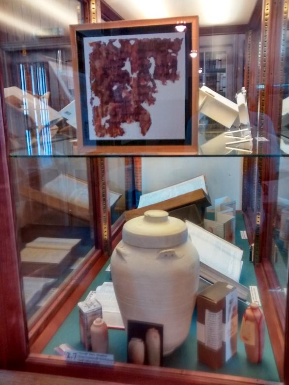 jar & cabinet