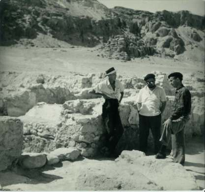 Harding, Milik and bereted man at Qumran during excavations (1956?).